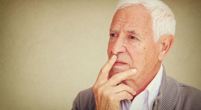 Dlouhodobě nezaměstnaní, invalidní důchodci nebo rodiče v domácnosti. Skupiny osob, které můžou v budoucnu potkat problémy se získáním starobní penze. Řešením je dobrovolné důchodové pojištění.